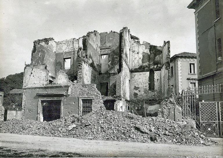 La FERRAREZZA antica Cassina distrutta dai bombardamenti Agosto 1944 era all'incrocio Astesani-Zanoli